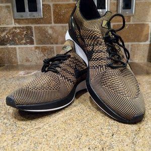 Mens Nike Flyknit Mariah Black Desert Moss Size 9